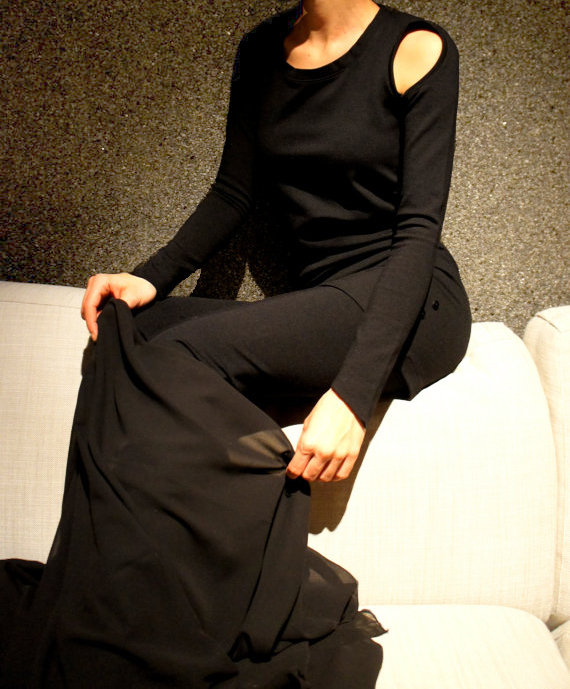 "All Black ""Bold and The Beautiful"" Set of Top, Leggings, Shawl"