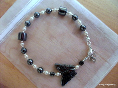 Bracciale butterfly ematite, perle, argento