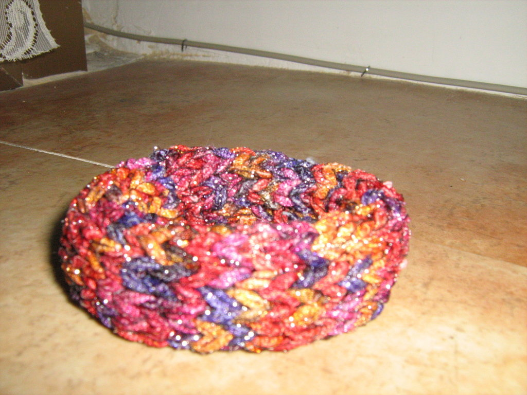Bracciale bangle lavorato a maglia