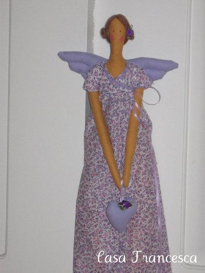Bambola modello Tilda lilla