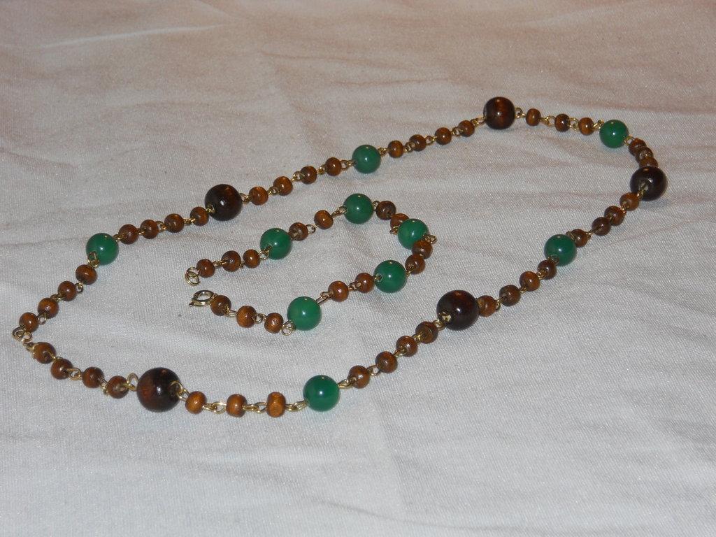 Parure rosario in legno e onice verde