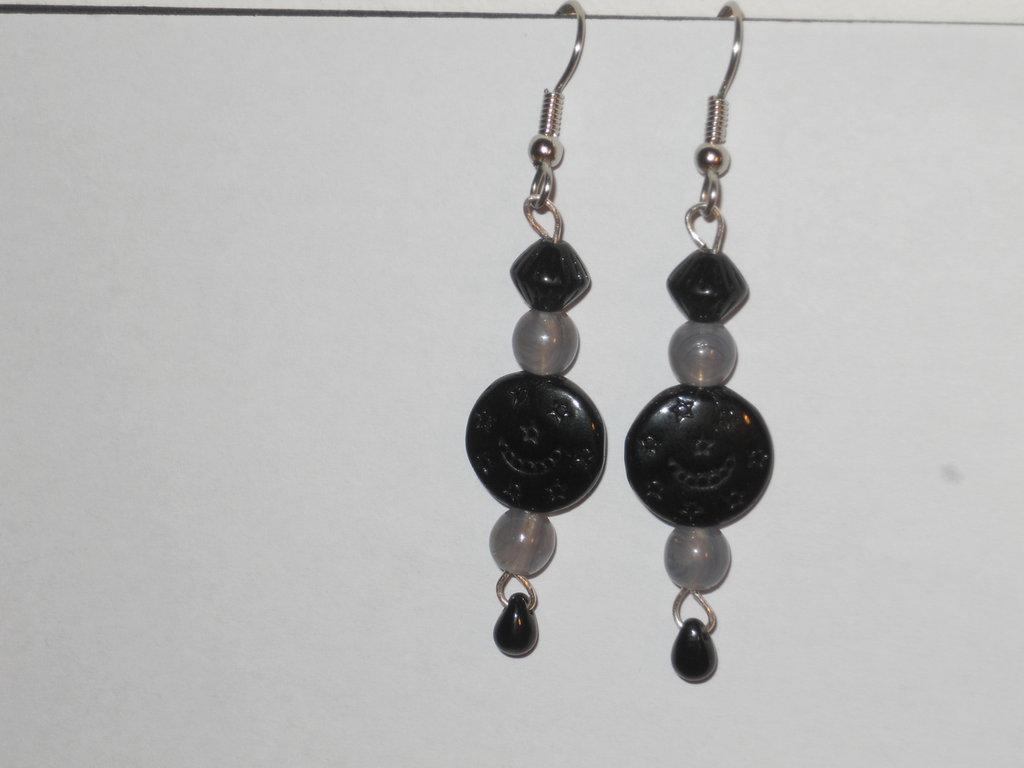 Orecchini con mix di perle nere