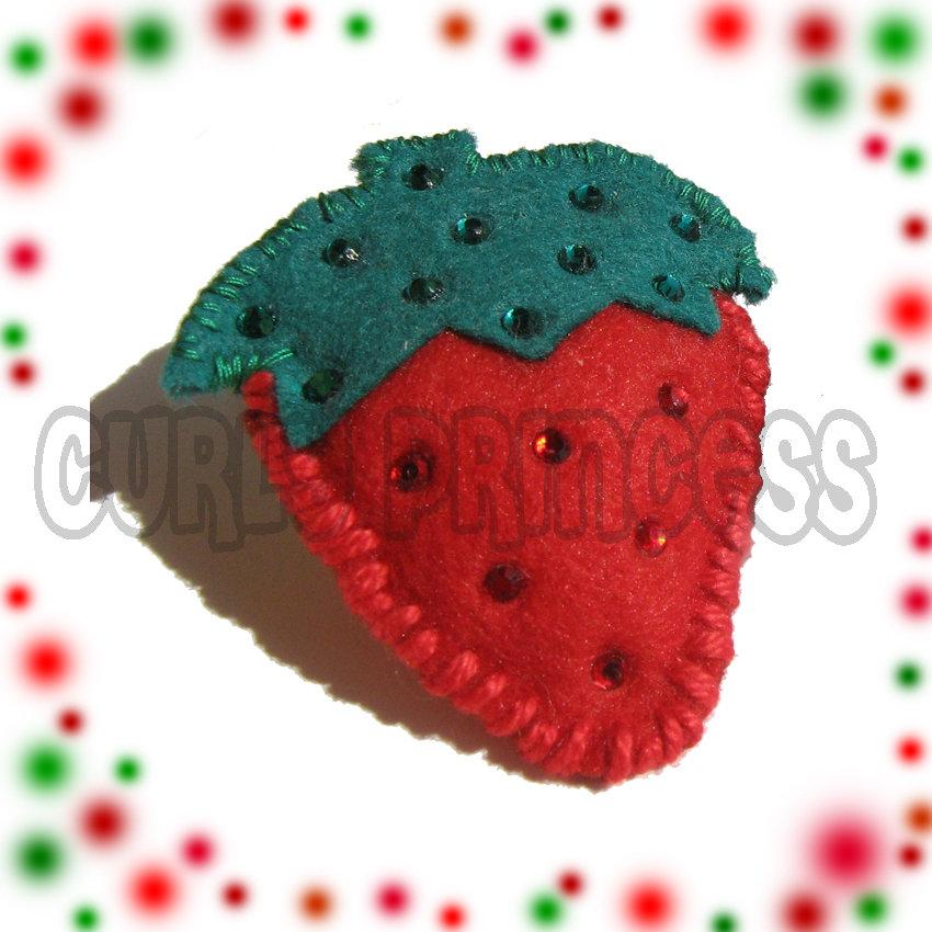 spilla FRAGOLA imbottita con strass - starwberry brooch pin
