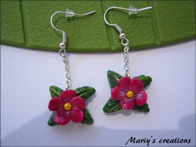Jungle Style 6, orecchini con fiore viola in pasta sintetica / polymer clay