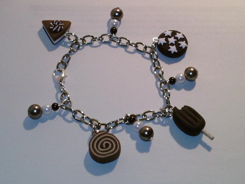 Braccialetto con mix dolci e perle fimo