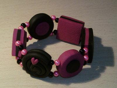 Braccialetto elastico con perle e liquirizie fimo