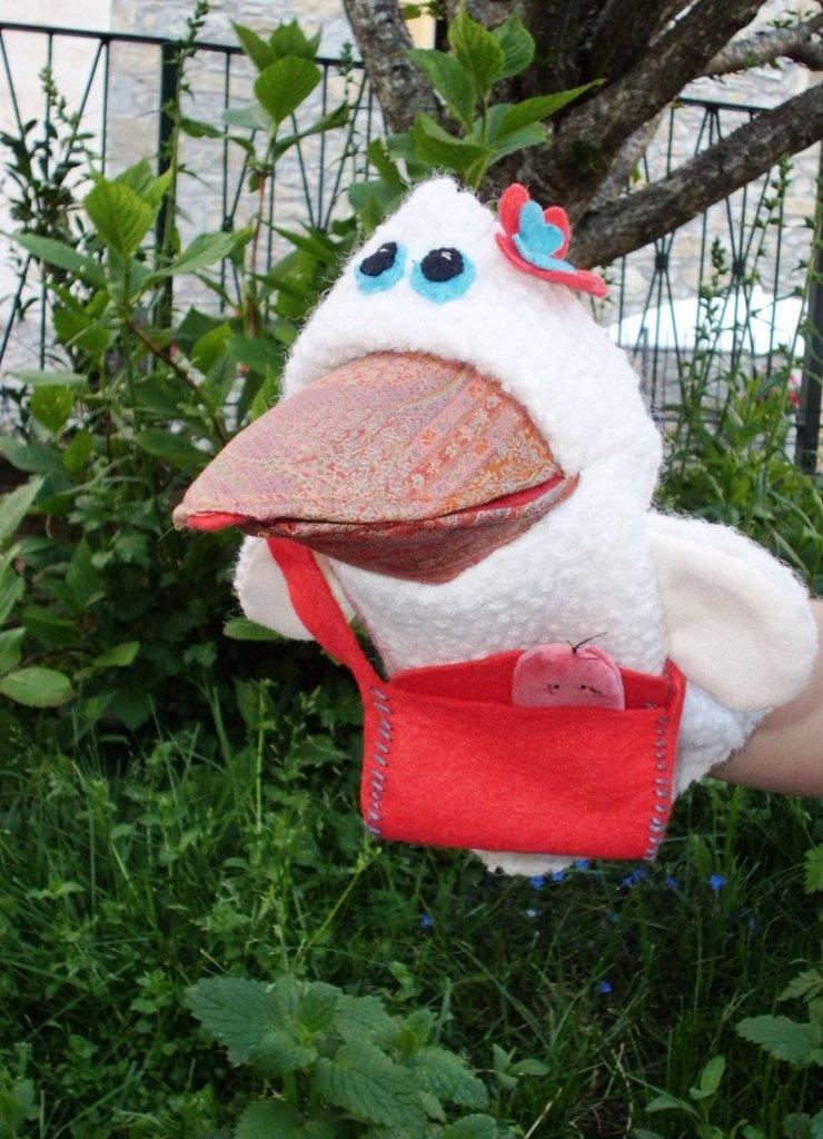 L'oca Lella marionetta artigianale
