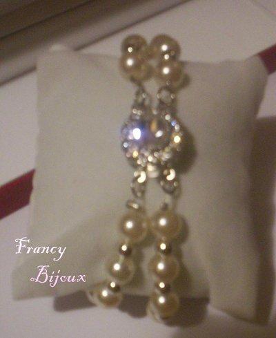 Braccile con perle e chiusura con strass
