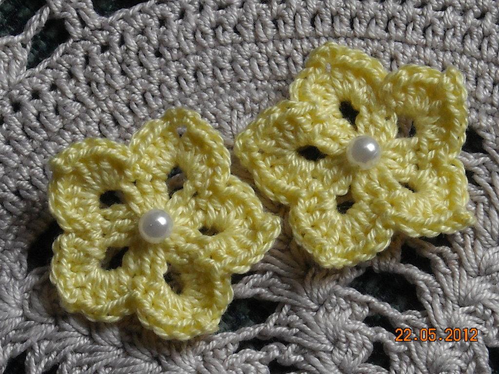 10 fiori gialli a stella con perlina uncinetto scrapbooking bomboniere