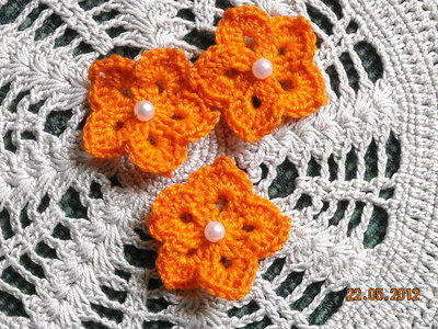 10 fiori arancioni a stella con perlina uncinetto scrapbooking bomboniere