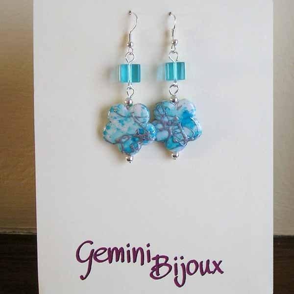 Orecchini fiori cubetti azzurri