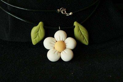 collana fiore e foglie