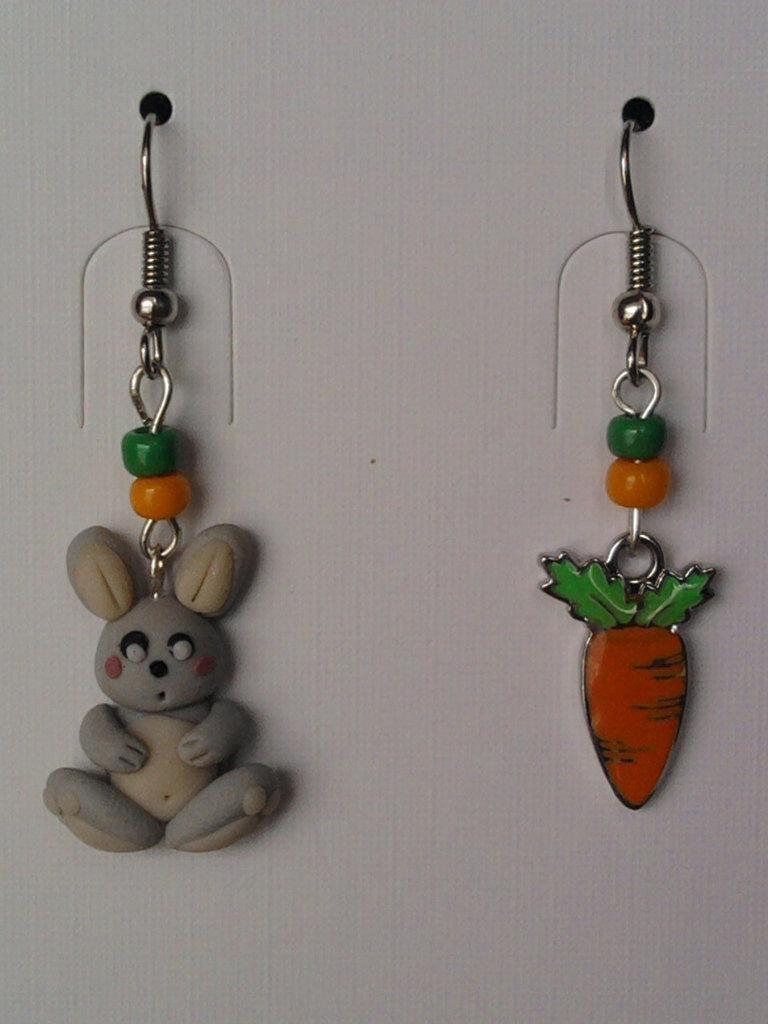 Orecchini con coniglietto, carota e perle fimo