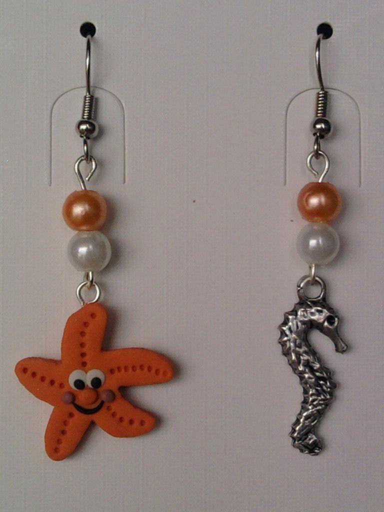 Orecchini con stella marina, cavalluccio marino e perle fimo