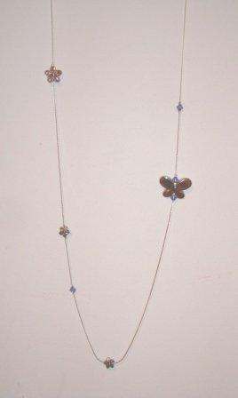 collana con farfalla e pietre lilla