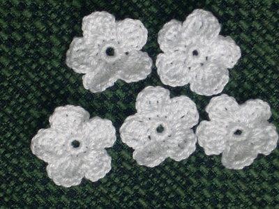 10 fiori bianchi uncinetto scrapbooking bomboniera applicazione