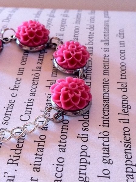BRACCIALE CON ROSE IN RESINA  COLOR ROSA PINK