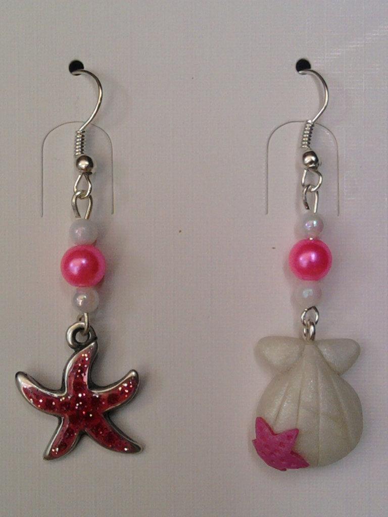 Orecchini con stella marina, conchiglia e perle fimo
