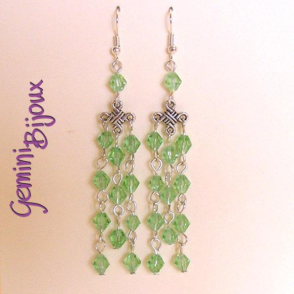 Orecchini chandelier trefile verde
