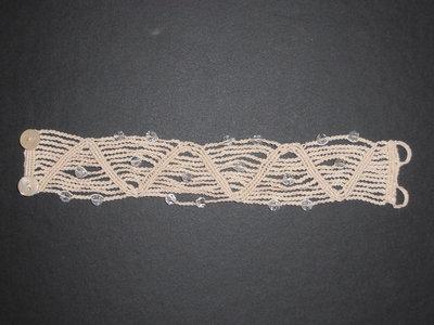 B5 Bracciale originale a macramè con cristalli Swarovsky e bottoni in madreperla-----Bracelet handmade with macramè technique with swarovsky crystal and nacre buttons