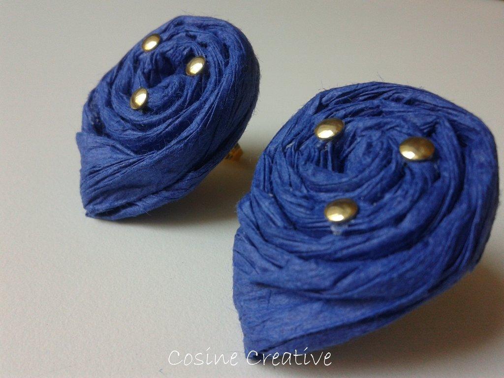 Orecchini di carta blu e oro (modello3)