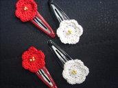 4 mollette con fiori a rotella e perline uncinetto