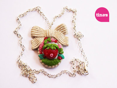 Collana fimo cernit Big Stawberry Bow