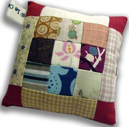 Patchwork Pincushion -- by Le Coccole -- tiny nine patch
