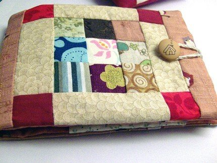 Patchwork needle book -- needle case -- by Le Coccole