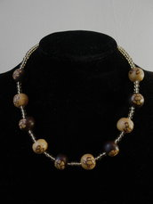 Collana con perle in Cernit decorate a fiore