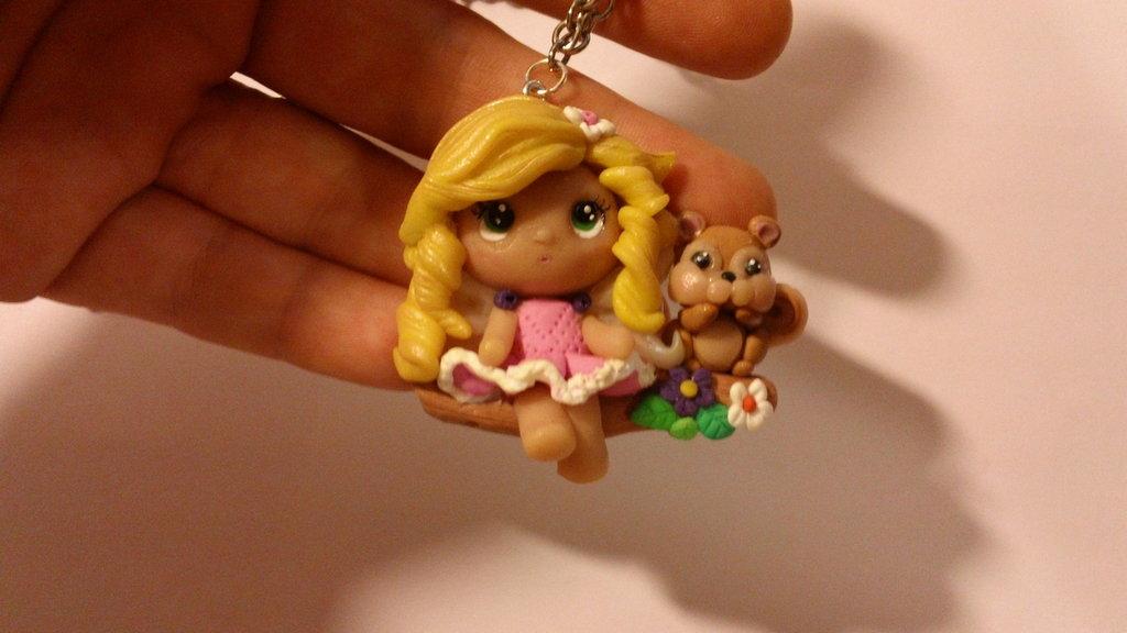 Collana bambolina e scoiattolo