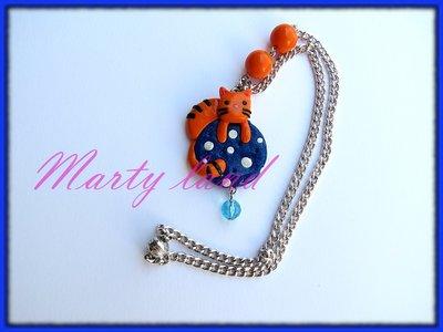 collana gattino arancione realizzato a mano con il fimo