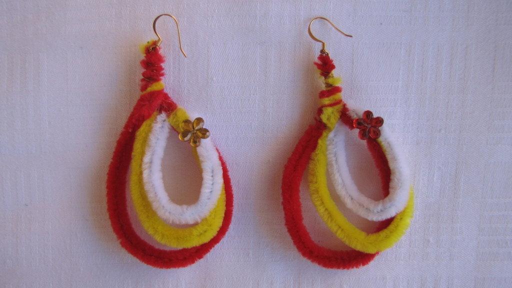 "orecchini ""pelusciosi"" a goccia"