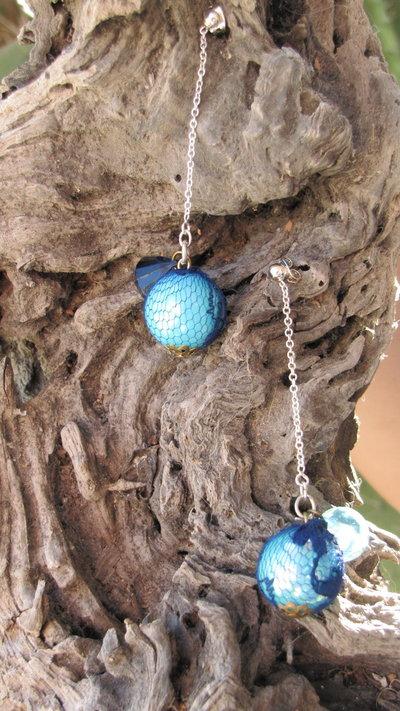 orecchini in gabbia di tessuto blu