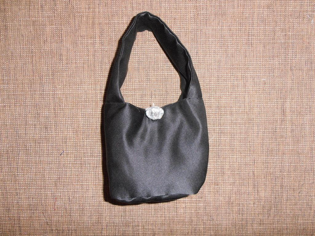 B56 Mini borsa a mano nera con swarovsky--------Mini black handbag with Swarovsky crystal