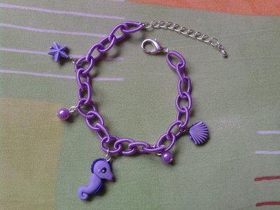 Braccialetto con perle e cavalluccio marino fimo