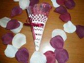 Coni portariso e petali bomboniera matrimonio