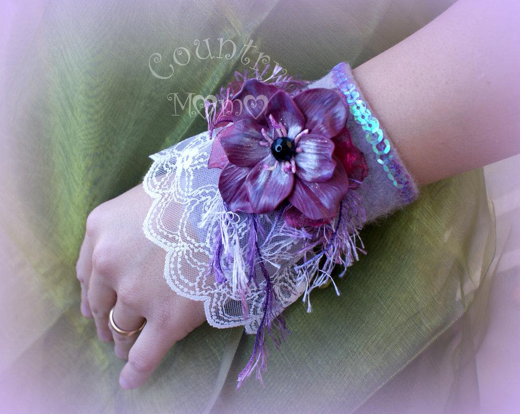 """romantic wrist cuff"" ""SALDI"""