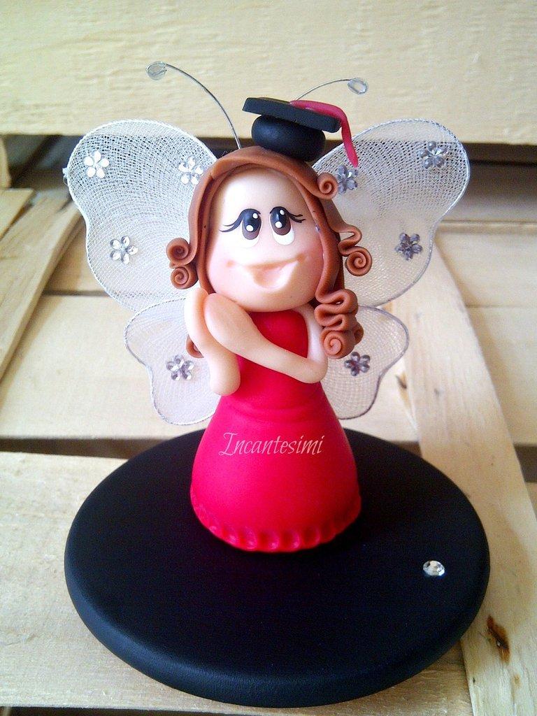 Fatina Laurea - bomboniera o cake topper in porcellana fredda