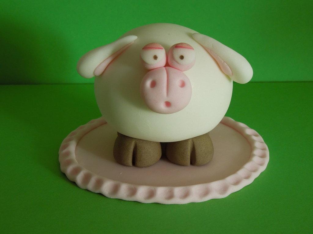 cake topper pecora