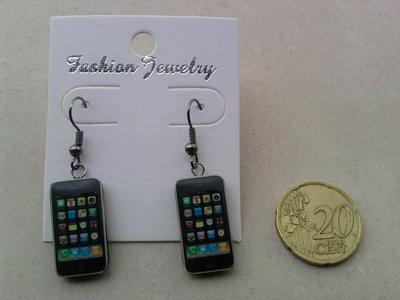 Orecchini con mini IPhone fimo