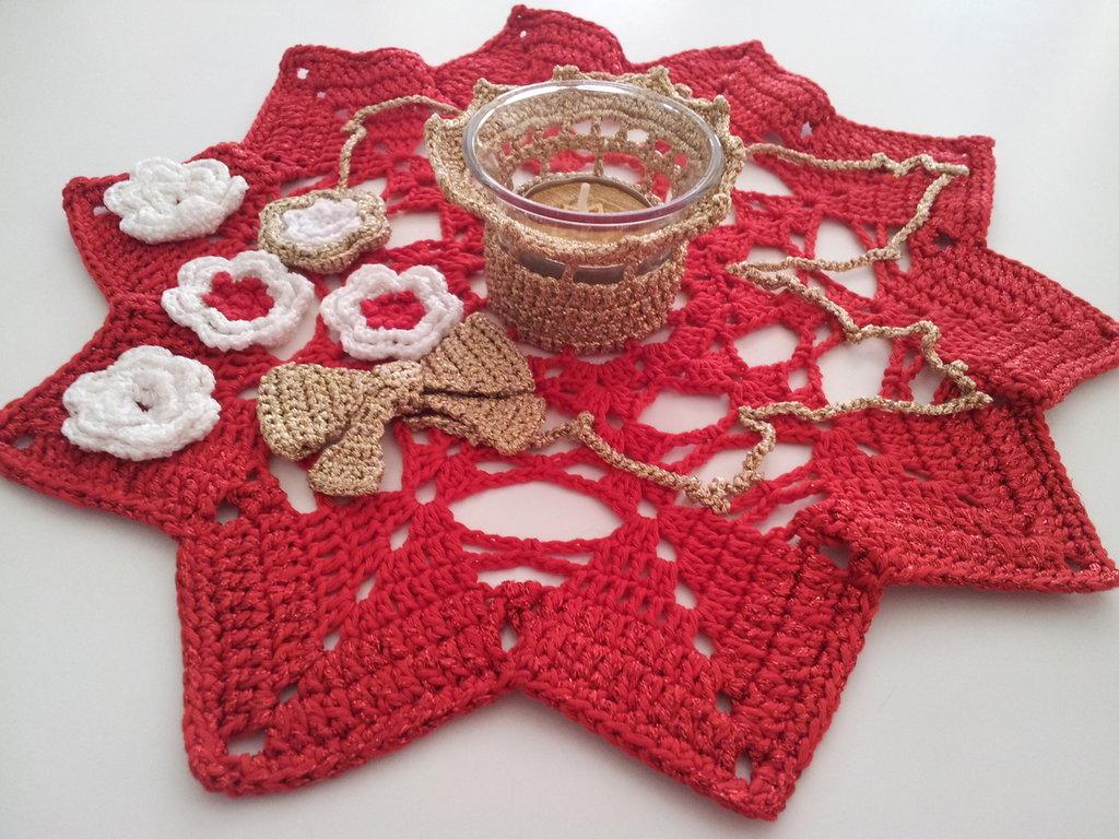 Porta tealight rosso con fiorellini
