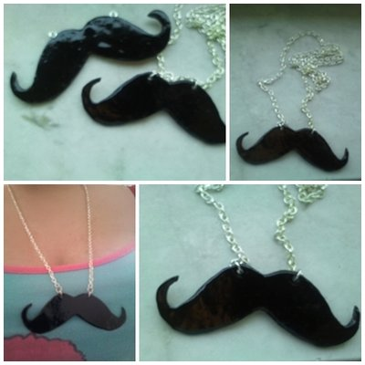Collana moustaches
