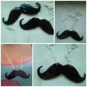 Collana moustaches