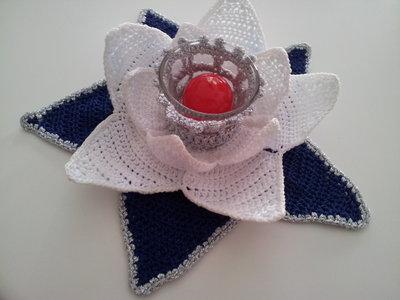 Porta tealight con ninfea bianca
