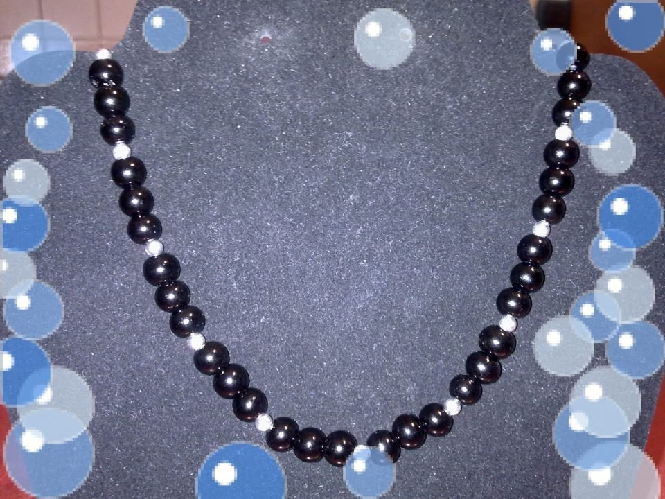 collana di perle nere