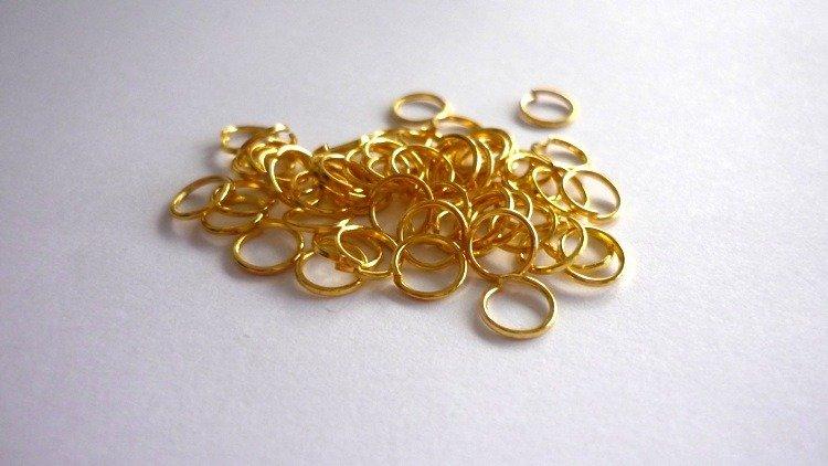 Anellini (jumprings) color oro , diametro 6 mm. Nickel free.  Confezione da 100 pezzi 0,40 euro.