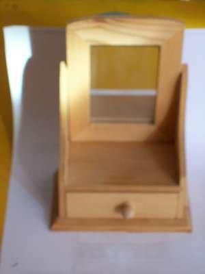 Specchiera con cassetto in legno
