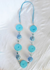 "Collana in vimini e corda ""Summer Blue"""