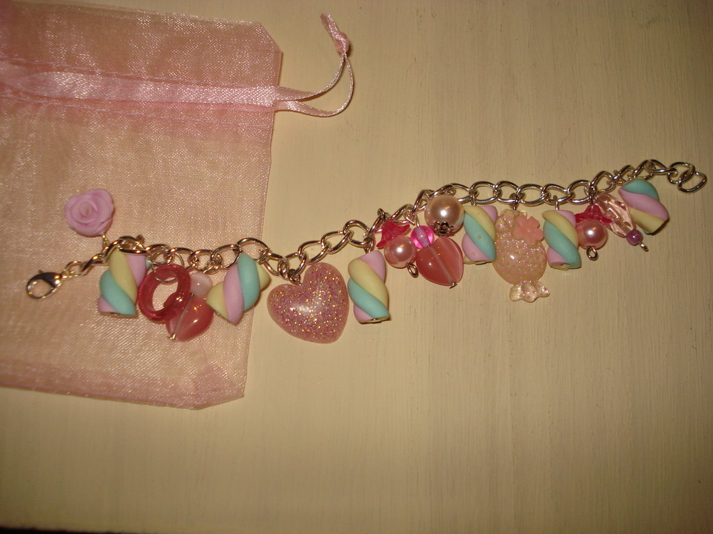 Bracciale multicharms rosa
